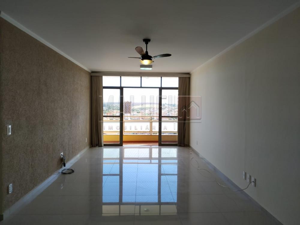Alugar Apartamentos / Padrão em Olímpia apenas R$ 1.300,00 - Foto 1