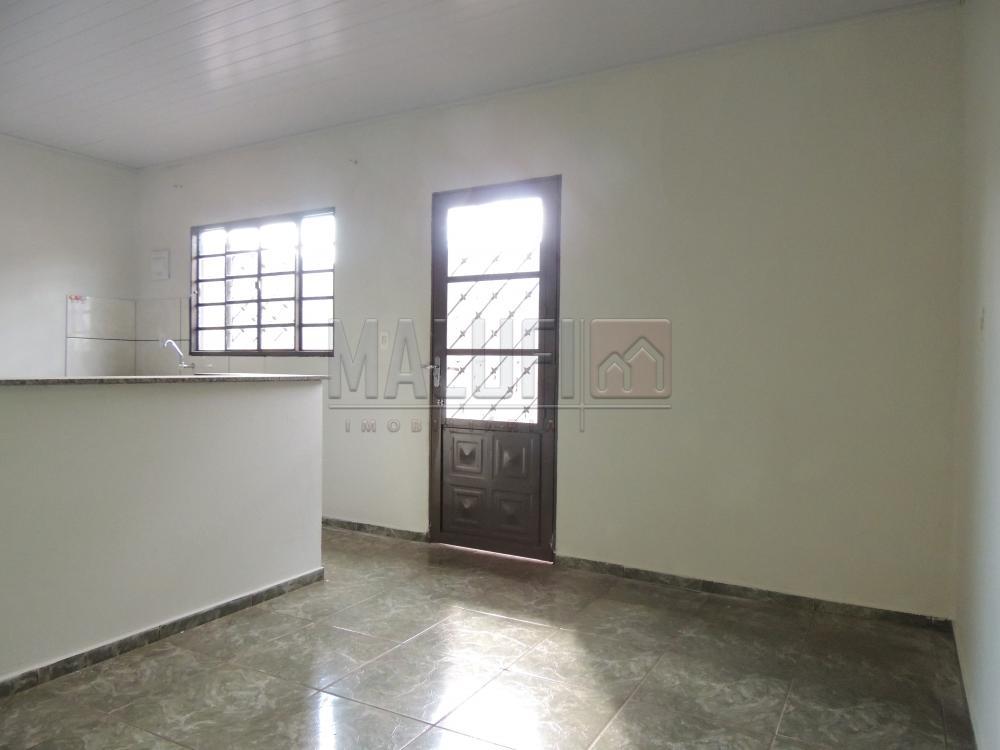 Alugar Casas / Padrão em Olímpia apenas R$ 550,00 - Foto 1