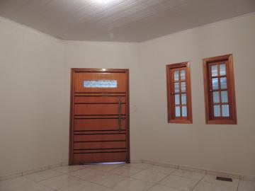 Alugar Casas / Padrão em Olímpia. apenas R$ 650,00