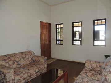 Alugar Casas / Padrão em Olímpia. apenas R$ 1.440,00