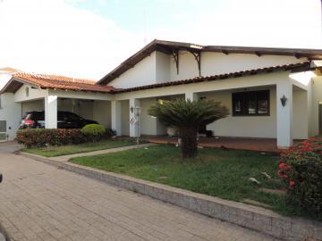 Alugar Casas / Padrão em Olímpia. apenas R$ 3.300,00
