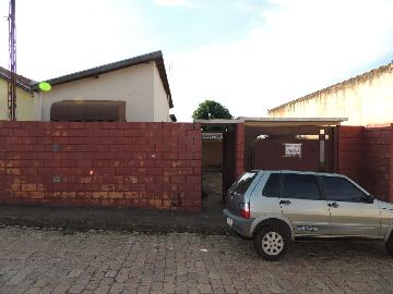 Alugar Casas / Padrão em Olímpia. apenas R$ 188.000,00