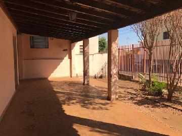 Alugar Casas / Padrão em Olímpia. apenas R$ 210.000,00