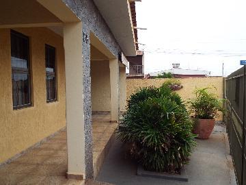 Alugar Casas / Padrão em Olímpia. apenas R$ 320.000,00