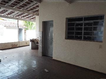 Alugar Casas / Padrão em Olímpia. apenas R$ 730,00