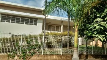 Alugar Casas / Padrão em Olímpia. apenas R$ 2.300,00