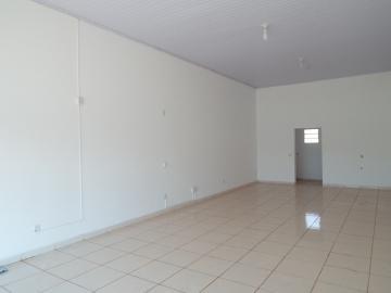 Alugar Comerciais / Sala em Olímpia. apenas R$ 750,00