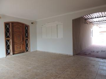 Alugar Casas / Padrão em Olímpia.