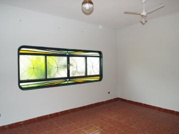 Alugar Casas / Padrão em Olímpia. apenas R$ 1.900,00