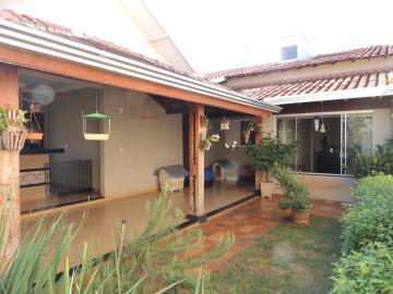Comprar Casas / Padrão em Olímpia. apenas R$ 500.000,00