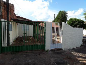 Alugar Casas / Padrão em Olímpia. apenas R$ 130.000,00