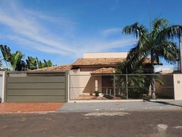 Alugar Casas / Condomínio em Guaraci. apenas R$ 450.000,00