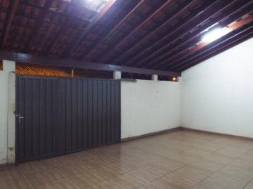 Alugar Casas / Padrão em Olímpia. apenas R$ 160.000,00