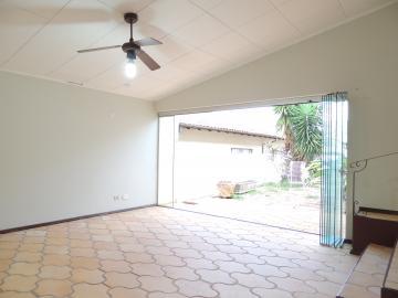 Alugar Casas / Padrão em Olímpia. apenas R$ 2.500,00