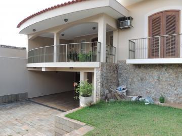 Alugar Casas / Padrão em Olímpia. apenas R$ 2.600,00