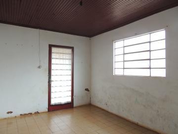Alugar Casas / Padrão em Olímpia. apenas R$ 450,00