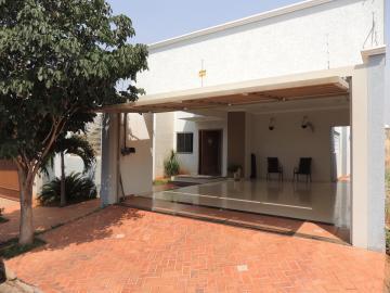 Alugar Casas / Padrão em Olímpia. apenas R$ 550.000,00