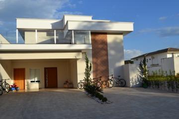 Alugar Casas / Condomínio em Olímpia. apenas R$ 4.500,00