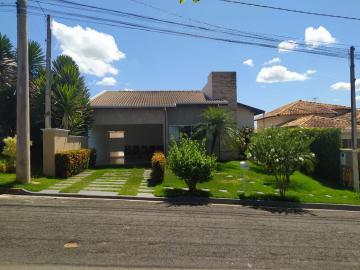 Alugar Casas / Condomínio em Olímpia. apenas R$ 680.000,00