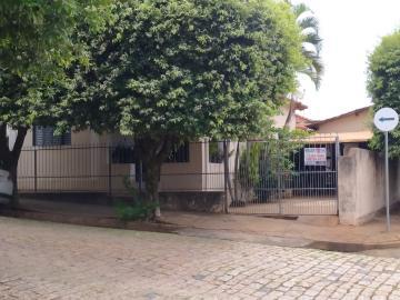 Alugar Casas / Padrão em Olímpia. apenas R$ 230.000,00