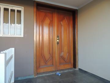 Alugar Casas / Sobrado em Olímpia. apenas R$ 2.500,00