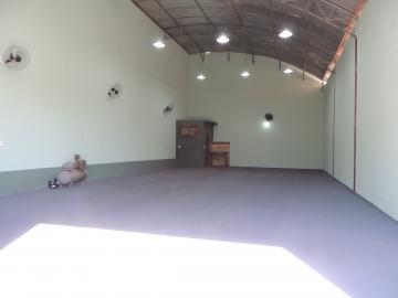 Comerciais / Barracão em Olímpia Alugar por R$2.000,00