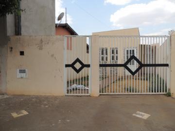 Casas / Padrão em Olímpia Alugar por R$940,00