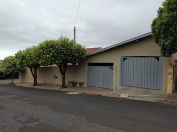 Alugar Casas / Padrão em Olímpia. apenas R$ 380.000,00