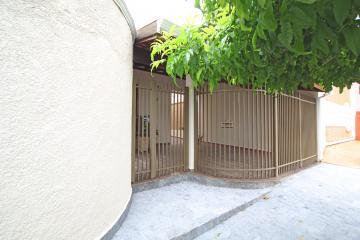 Alugar Casas / Padrão em Olímpia. apenas R$ 720.000,00