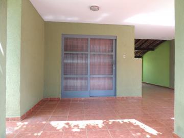 Alugar Casas / Padrão em Olímpia. apenas R$ 1.300,00