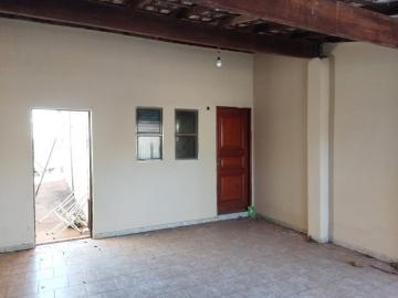 Alugar Casas / Padrão em Olímpia. apenas R$ 750,00