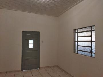 Alugar Casas / Padrão em Olímpia. apenas R$ 1.200,00